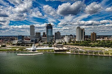 Milwaukee skyline photo